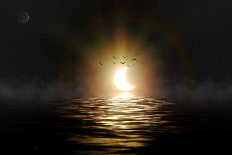 solar-eclipse-684219_1920.jpg