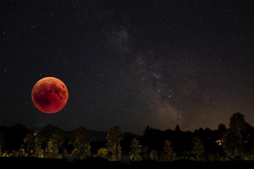 blood-moon-3573262_1280